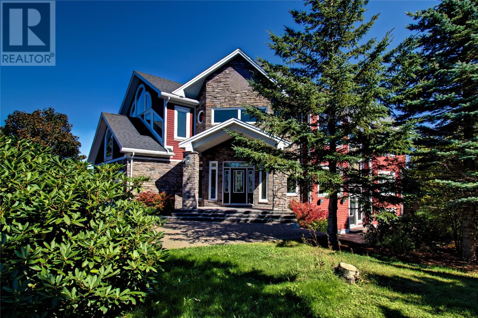 Main Photo: 293 Buckingham Drive in Paradise: House for sale : MLS®# 1237367