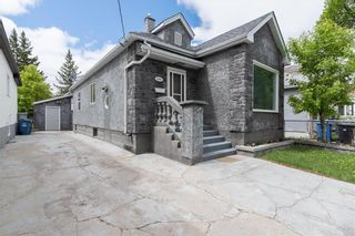 Photo 2: 444 Burrows Avenue in Winnipeg: Residential for sale (4A)  : MLS®# 202112893