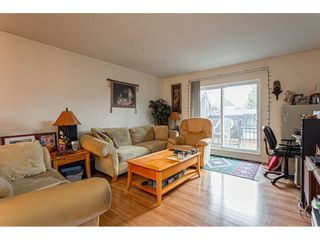 """Photo 4: 108 33850 FERN Street in Abbotsford: Central Abbotsford Condo for sale in """"Fernwood Manor"""" : MLS®# R2430522"""
