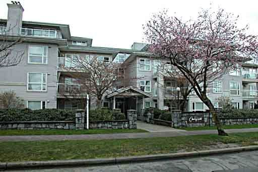 Main Photo: 305 2965 HORLEY STREET in : Collingwood VE Condo for sale : MLS®# V331414