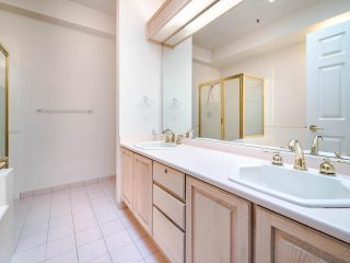 """Photo 22: 305 3766 W 7TH Avenue in Vancouver: Point Grey Condo for sale in """"THE CUMBERLAND"""" (Vancouver West)  : MLS®# R2583728"""