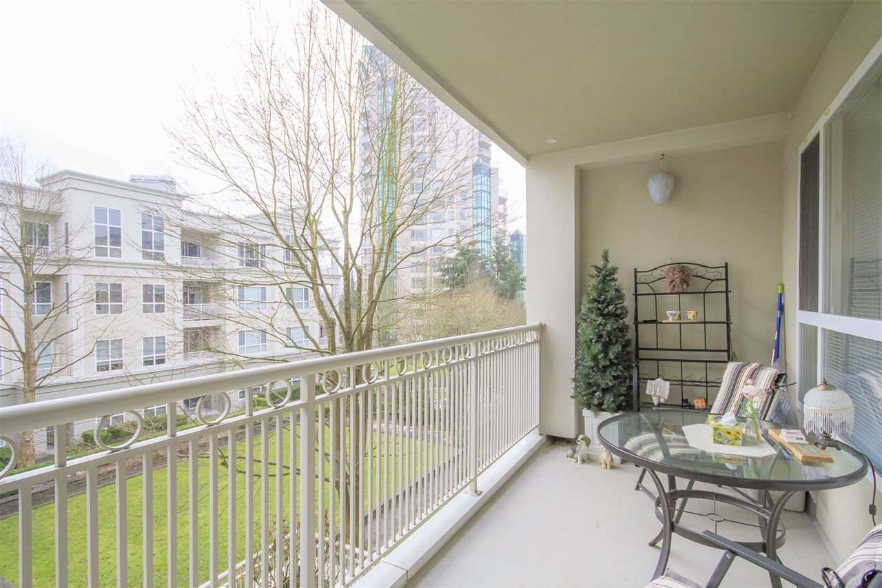"Photo 1: Photos: 317 3098 GUILDFORD Way in Coquitlam: North Coquitlam Condo for sale in ""MARLBOROUGH HOUSE"" : MLS®# R2141555"
