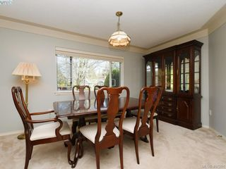Photo 5: 1790 Fairfax Pl in NORTH SAANICH: NS Dean Park House for sale (North Saanich)  : MLS®# 810796