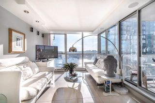"""Photo 5: 2202 1408 STRATHMORE Mews in Vancouver: Yaletown Condo for sale in """"WEST ONE"""" (Vancouver West)  : MLS®# R2432434"""