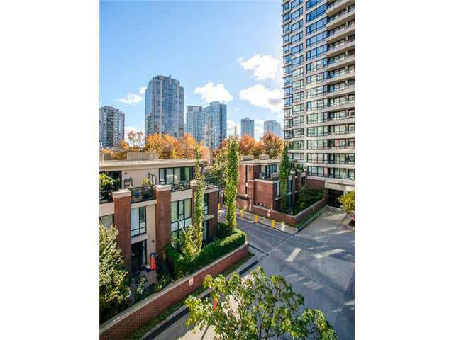 Main Photo: 406 909 MAINLAND STREET in : Yaletown Condo for sale : MLS®# V1091628