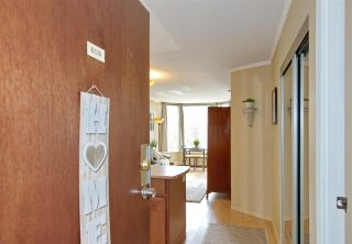"""Photo 3: 609 950 DRAKE Street in Vancouver: Downtown VW Condo for sale in """"ANCHOR POINT"""" (Vancouver West)  : MLS®# R2574592"""