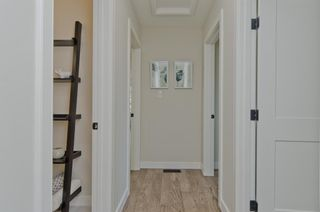 Photo 10: 1536 Windsor Street in Calgary: St Andrews Heights Detached for sale : MLS®# A1061771