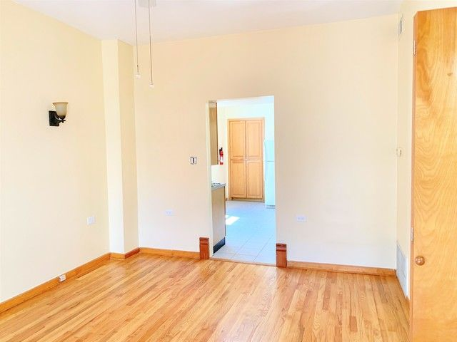 Photo 2: Photos: 1340 Claremont Avenue in Chicago: CHI - West Town Rentals for rent ()  : MLS®# 10534602