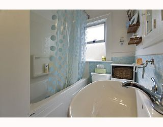 """Photo 7: 2366 CHARLES Street in Vancouver: Grandview VE House for sale in """"COMMERCIAL DRIVE"""" (Vancouver East)  : MLS®# V706768"""