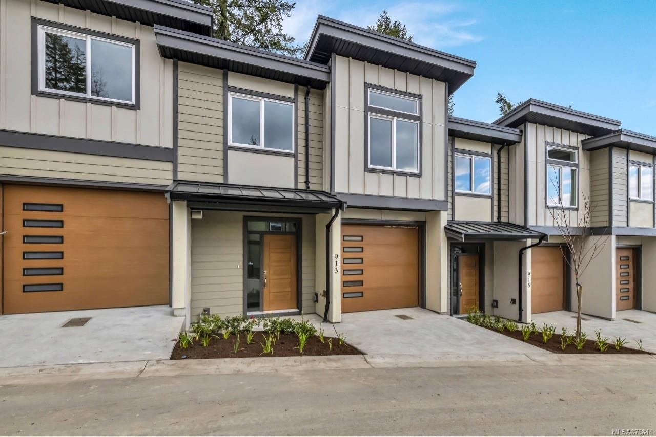 Main Photo: 937 Echo Valley Pl in : La Bear Mountain Row/Townhouse for sale (Langford)  : MLS®# 875844