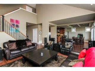 """Photo 5: 3327 BLOSSOM Court in Abbotsford: Abbotsford East House for sale in """"The Highlands"""" : MLS®# F1411809"""
