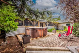 Photo 10: 82 Thornlee Crescent NW in Calgary: Thorncliffe Detached for sale : MLS®# A1146440