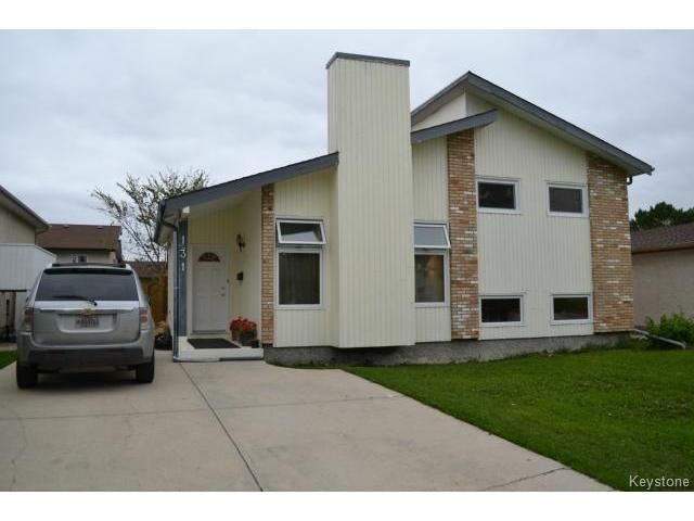 Main Photo: 131 Long Point Bay in WINNIPEG: Transcona Residential for sale (North East Winnipeg)  : MLS®# 1422437