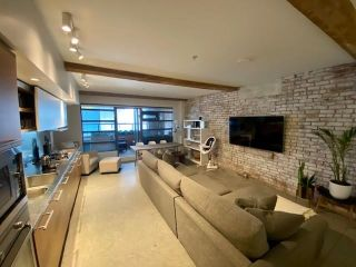 """Photo 10: 107 388 W 1ST Avenue in Vancouver: False Creek Condo for sale in """"THE EXCHANGE"""" (Vancouver West)  : MLS®# R2573277"""