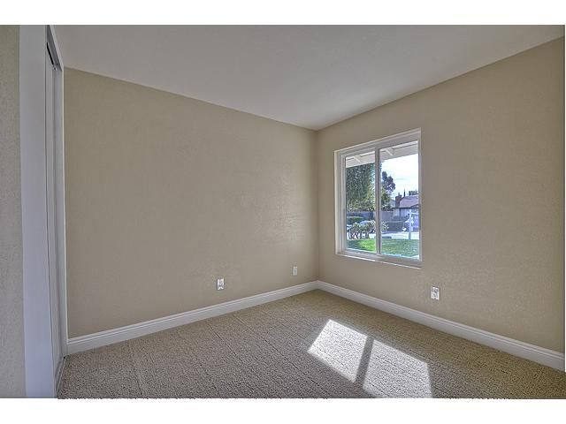 Photo 10: Photos: MIRA MESA House for sale : 3 bedrooms : 9076 Kirby Court in San Diego