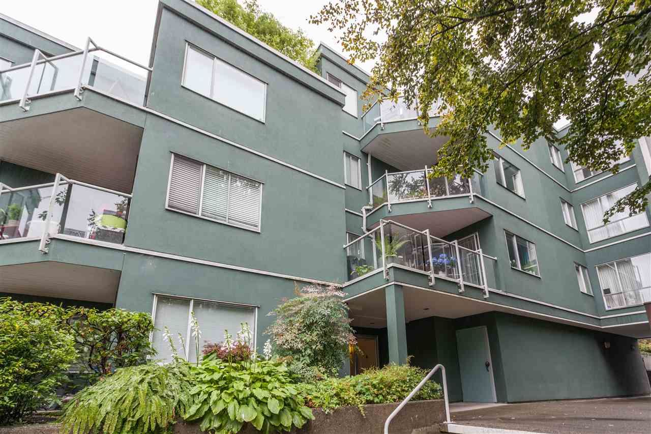 """Main Photo: 203 1550 MARINER Walk in Vancouver: False Creek Condo for sale in """"Mariners Point"""" (Vancouver West)  : MLS®# R2288697"""