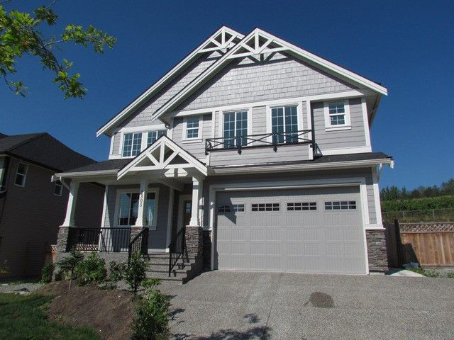 "Main Photo: 2305 CHARDONNAY Lane in Abbotsford: Aberdeen House for sale in ""Pepinbrook Estates"" : MLS®# F1440169"