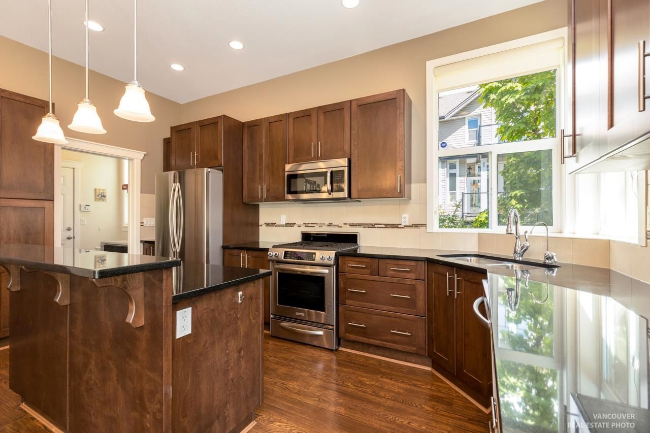 Photo 9: Photos: 1335 KERRY COURT in Coquitlam: Burke Mountain House for sale : MLS®# R2597178