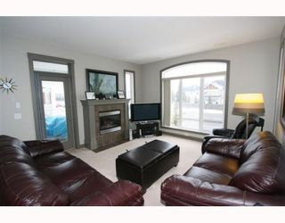 Photo 7: 502 8000 WENTWORTH Drive SW in CALGARY: West Springs Stacked Townhouse for sale (Calgary)  : MLS®# C3408202