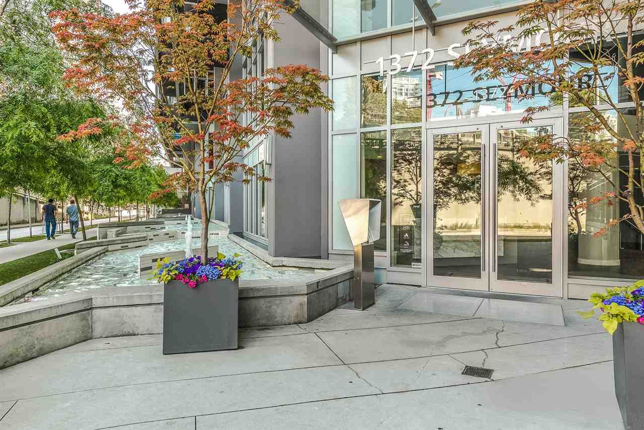 """Main Photo: 1007 1372 SEYMOUR Street in Vancouver: Downtown VW Condo for sale in """"The Mark"""" (Vancouver West)  : MLS®# R2554950"""