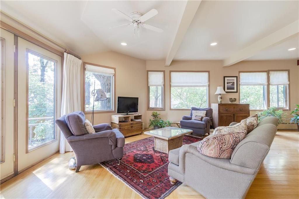 Photo 16: Photos: 906 North Drive in Winnipeg: East Fort Garry Residential for sale (1J)  : MLS®# 202116251