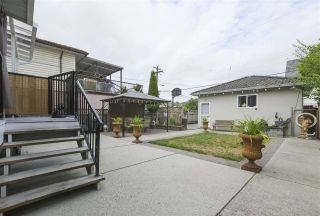 Photo 2: 2731 NANAIMO Street in Vancouver: Grandview Woodland House for sale (Vancouver East)  : MLS®# R2396523
