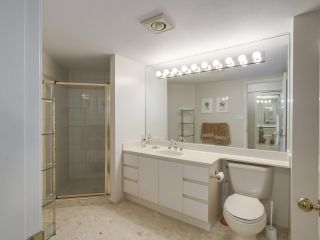 """Photo 13: 301 2189 W 42ND Avenue in Vancouver: Kerrisdale Condo for sale in """"GOVERNOR POINT"""" (Vancouver West)  : MLS®# R2098848"""