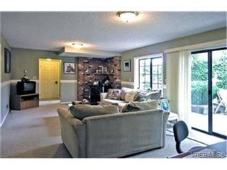 Photo 5: 4132 Mariposa Hts in VICTORIA: SW Strawberry Vale House for sale (Saanich West)  : MLS®# 419041