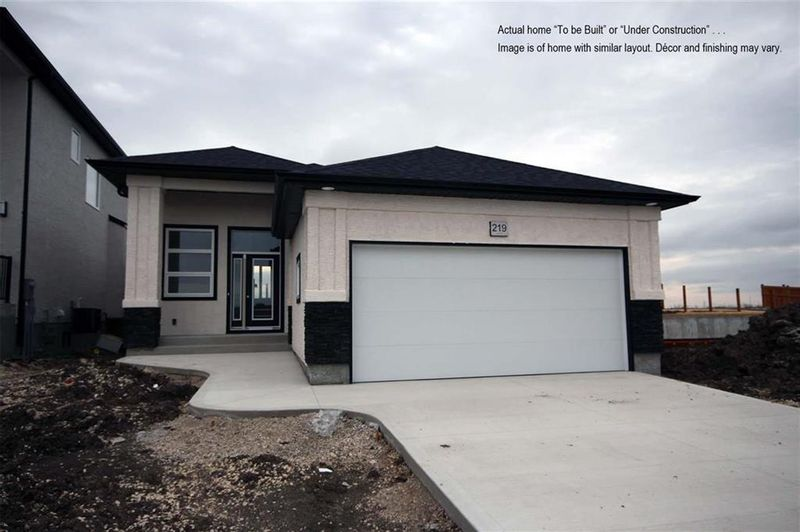 FEATURED LISTING: 27 Bartman Drive St Adolphe