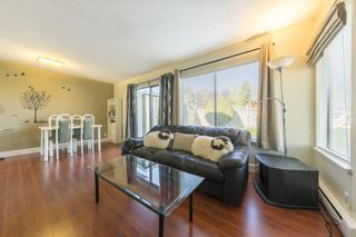 "Photo 2: 5 9080 PARKSVILLE Drive in Richmond: Boyd Park Townhouse for sale in ""Parksville Estates"" : MLS®# R2264010"