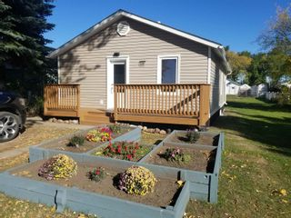 Photo 1: 4608 46 Avenue: Redwater House for sale : MLS®# E4263091