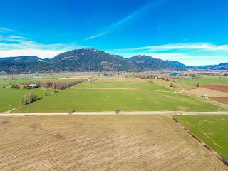 Photo 5: 37AC LOUGHEED Highway in Mission: Dewdney Deroche Agri-Business for sale : MLS®# C8037147
