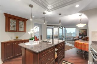 """Photo 10: 2007 1050 BURRARD Street in Vancouver: Downtown VW Condo for sale in """"Wall Centre"""" (Vancouver West)  : MLS®# R2324699"""