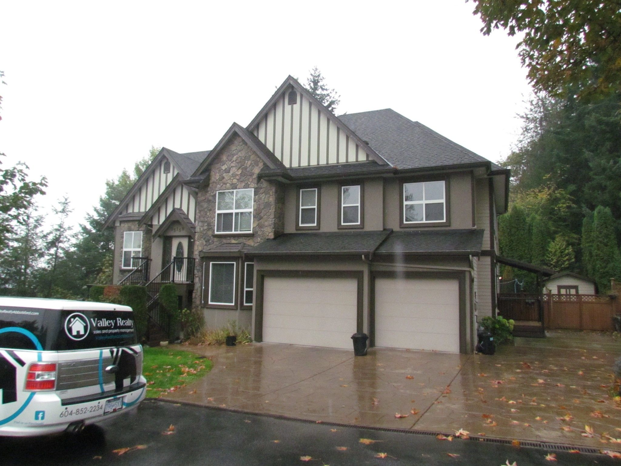 Main Photo: Suite 35158 Rockwell Dr. in Abbotsford: Abbotsford East Condo for rent