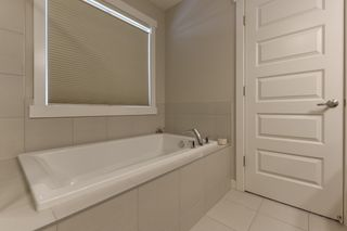Photo 32: 5208 ADMIRAL WALTER HOSE Street in Edmonton: Zone 27 House for sale : MLS®# E4226677