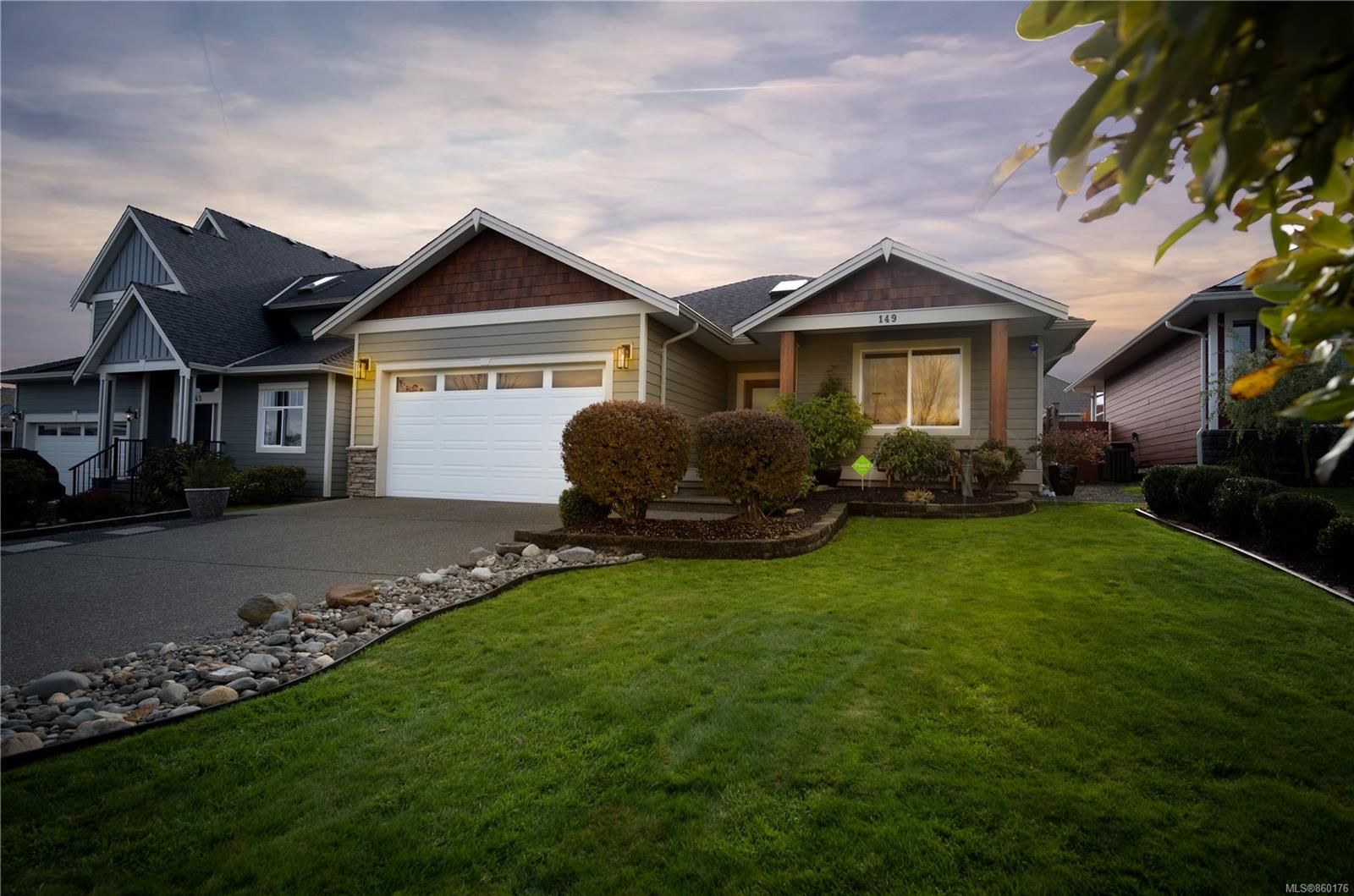 Main Photo: 149 Vermont Dr in : CR Willow Point House for sale (Campbell River)  : MLS®# 860176