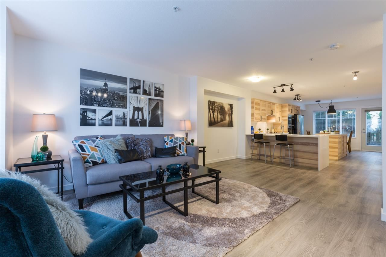 """Main Photo: 44 6651 203RD Street in Langley: Willoughby Heights Townhouse for sale in """"Sunscape"""" : MLS®# R2206956"""