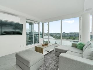 Photo 11: 2105 1033 MARINASIDE Crescent in Vancouver: Yaletown Condo for sale (Vancouver West)  : MLS®# R2614504