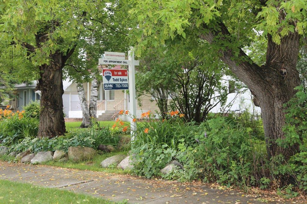 Photo 31: Photos: 154 Douglas Park Road in Winnipeg: Bruce Park/ St. James Single Family Detached for sale (West Winnipeg)  : MLS®# 1519811