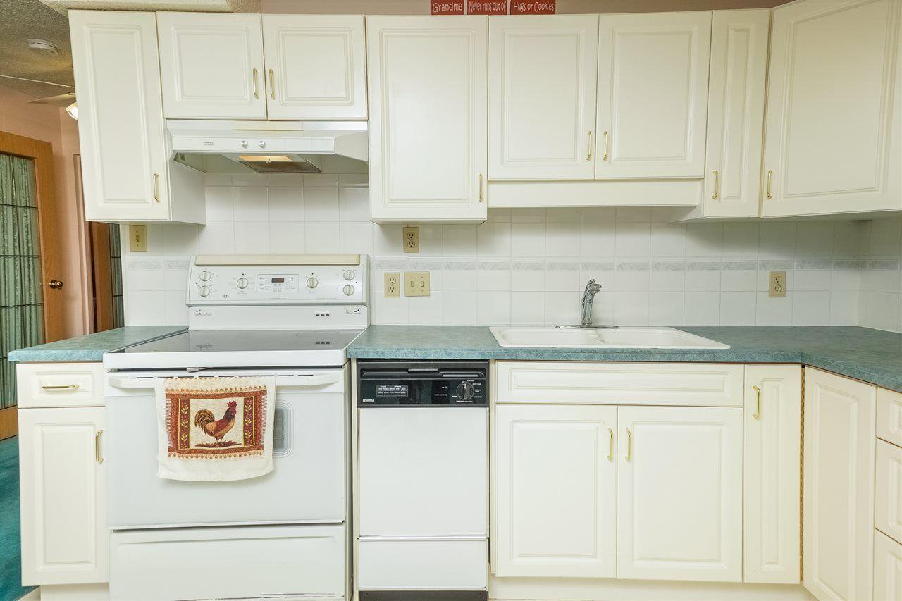 Photo 2: Photos: 205 5212 48 Avenue: Wetaskiwin Condo for sale : MLS®# E4215302