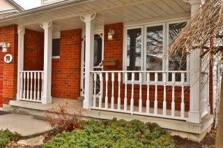 Photo 2: 70 Ryans Way in Hamilton: Waterdown House (2-Storey) for sale : MLS®# X4086741