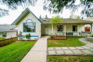 """Photo 2: 18055 64 Avenue in Surrey: Cloverdale BC House for sale in """"CLOVERDALE"""" (Cloverdale)  : MLS®# R2572138"""