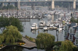 """Photo 2: 759 1515 W 2ND Avenue in Vancouver: False Creek Condo for sale in """"ISLAND COVER"""" (Vancouver West)  : MLS®# R2195310"""