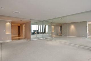 Photo 3: 201 15050 PROSPECT Avenue: White Rock Condo for sale (South Surrey White Rock)  : MLS®# R2135776