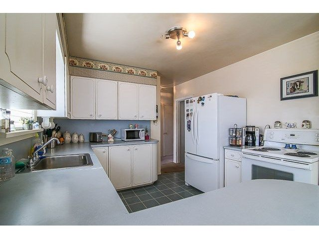 Photo 6: Photos: 7689 DAVIES ST in Burnaby: Edmonds BE House for sale (Burnaby East)  : MLS®# V1139774