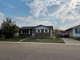 Photo 2: 4611 49 Avenue: Redwater House for sale : MLS®# E4266180