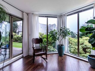 """Photo 8: 313 60 RICHMOND Street in New Westminster: Fraserview NW Condo for sale in """"GATEHOUSE PLACE"""" : MLS®# R2500986"""