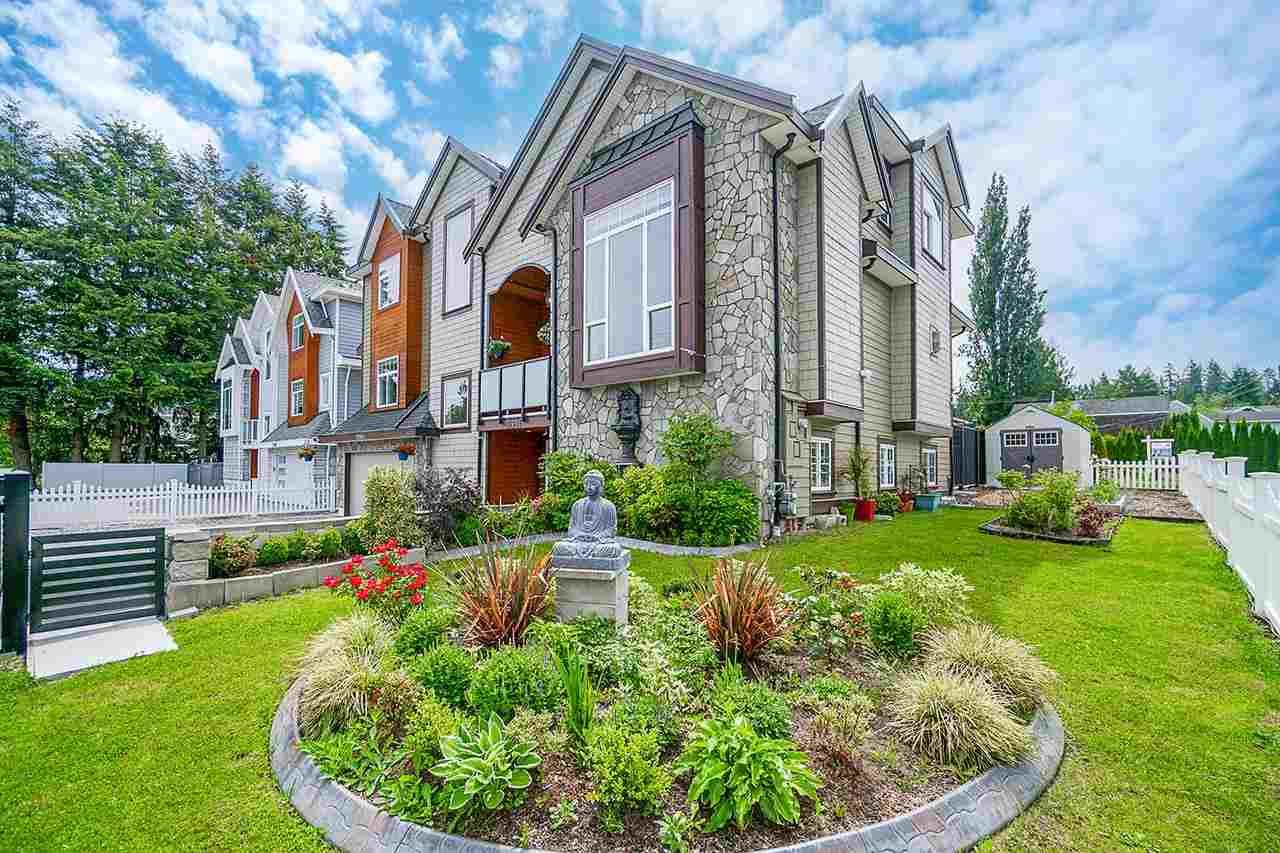 Main Photo: 20954 48 Avenue in Langley: Langley City House for sale : MLS®# R2589109