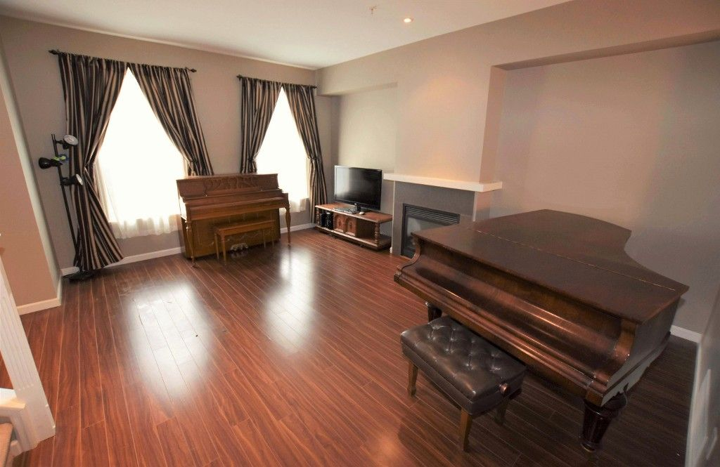 """Photo 3: Photos: 20849 71B Avenue in Langley: Willoughby Heights Condo for sale in """"Milner Heights"""" : MLS®# R2161882"""