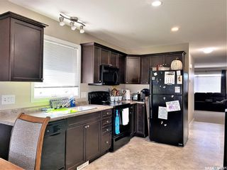 Photo 3: 835 Glenview Cove in Martensville: Residential for sale : MLS®# SK860673